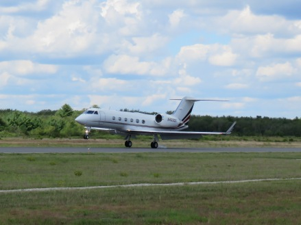 A Gulfstream IV touching down on Runway 23! I guess Gulfstreams like new runways... (8/27)